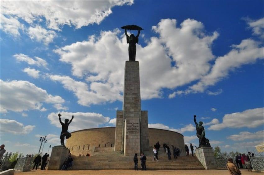 Budapeşte Özgürlük Anıtı