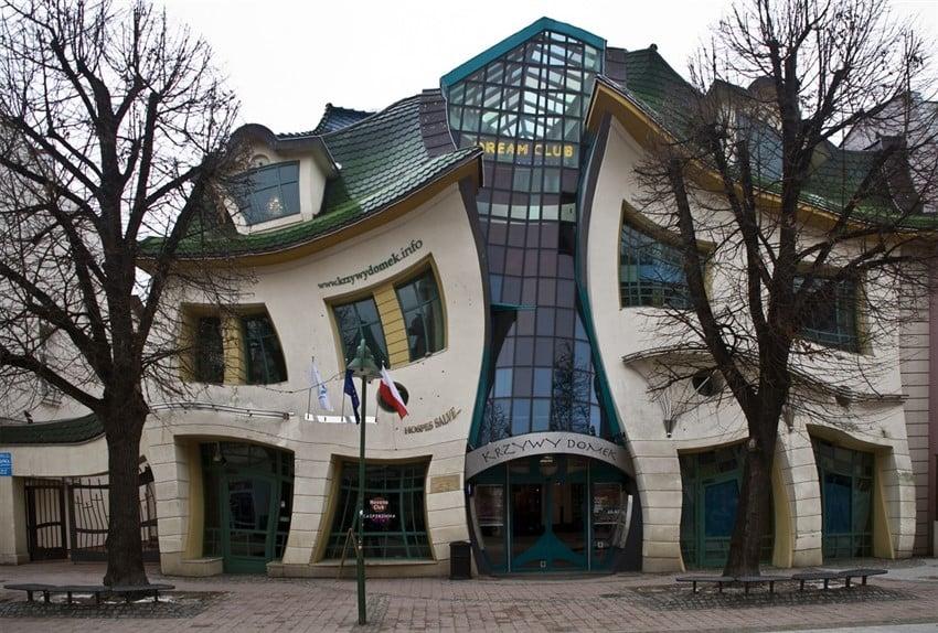 12495-Krzywy-domek-w-Sopocie
