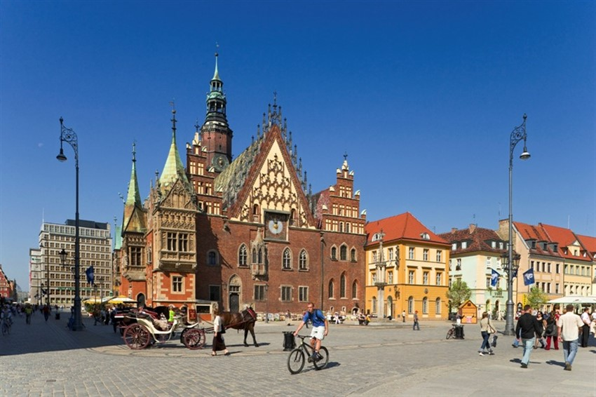 polonya wroclaw market hall old town