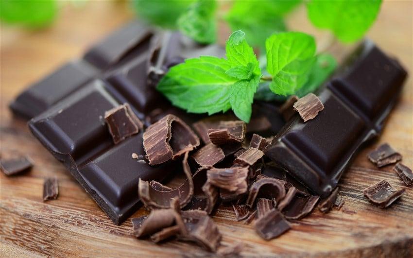 En Sağlıklı 10 Süper Yiyecek bitter çikolata