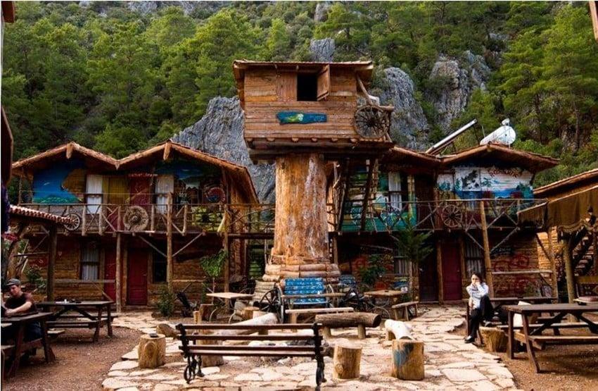 Türkiye'deki Farklı Tasarımda Oteller Kadir'in Ağaç Evleri