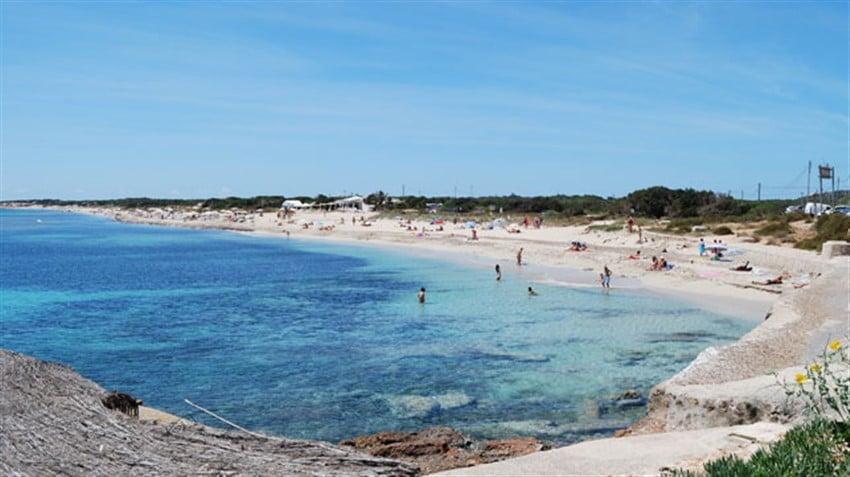 Avrupa'daki En İyi Plajlar Playa Cavallet, Ibiza