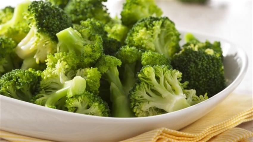 En Sağlıklı 10 Süper Yiyecek brokoli