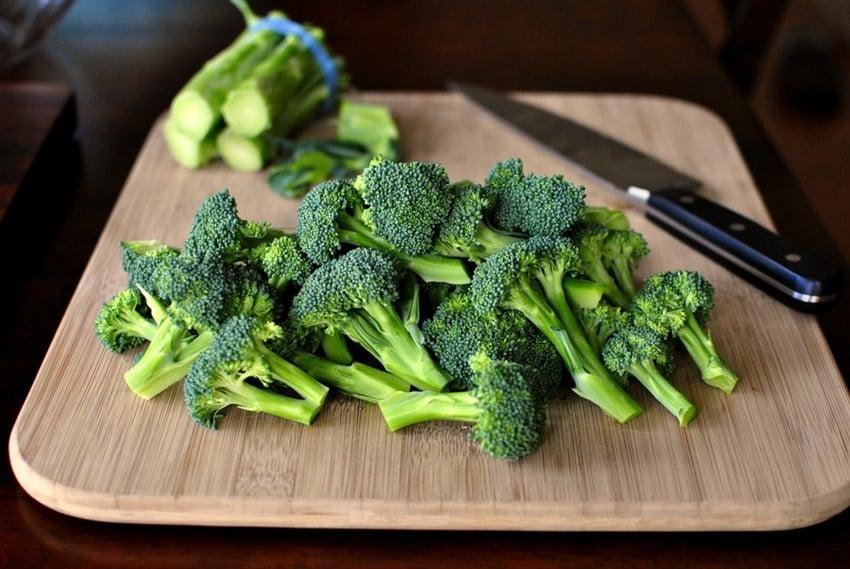 Diyetinizde Bulunması Gereken Yiyecekler brokoli