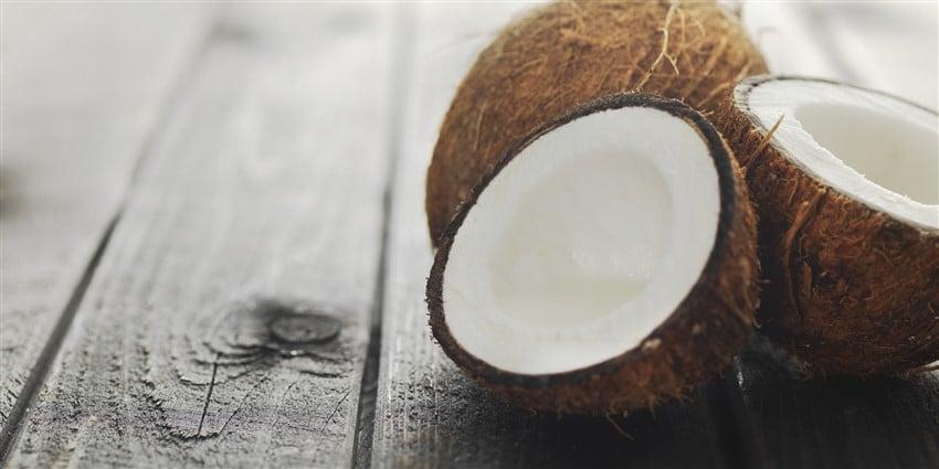Diyetinizde Bulunması Gereken Yiyecekler hindistan cevizi