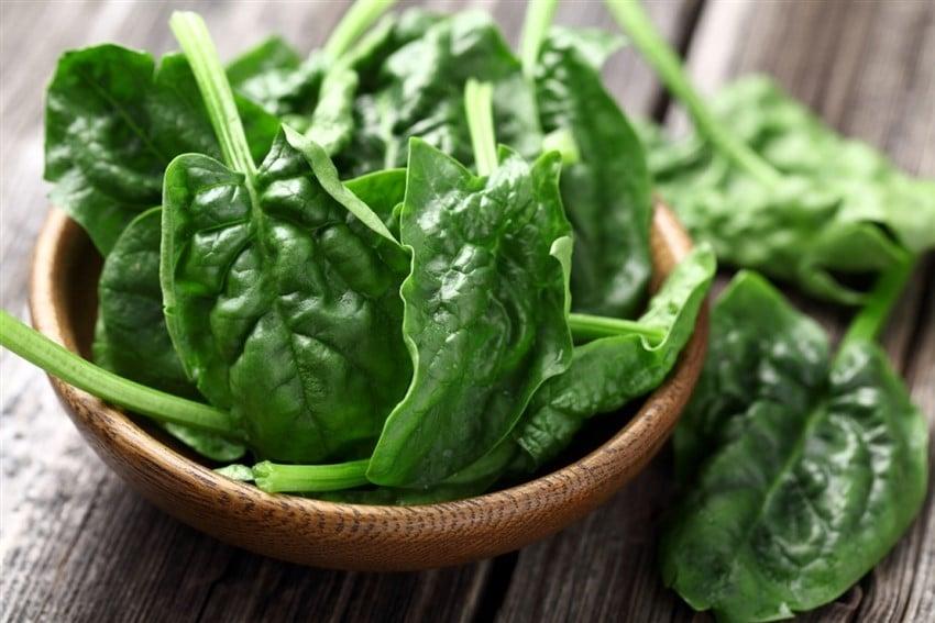 En Sağlıklı 10 Süper Yiyecek ıspanak