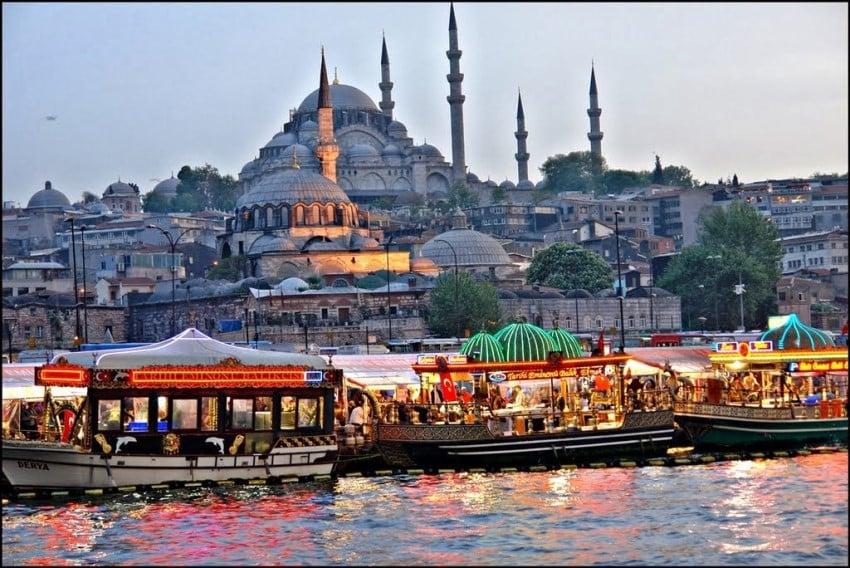 İstanbul'da Meşhur Sokak Lezzetleri Balık Ekmek