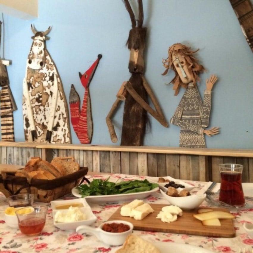 Kadıköy'deki Kahvaltıcılar Naga Putrika