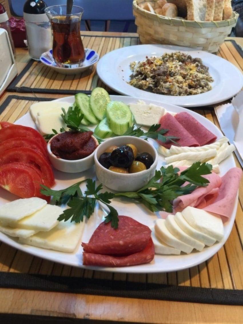 Kadıköy'deki Kahvaltıcılar Gözde Şarküteri