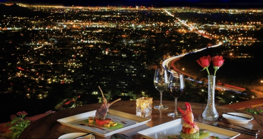 Neden otel restoranlarını tercih etmelisiniz? Merkezi Konum