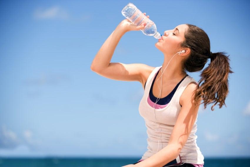 Limonlu Suyun Faydaları İdrar Söktürücüdür