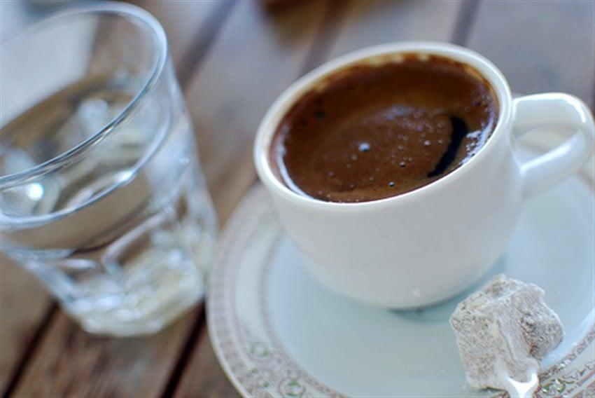 Türk Kahvesi ve Su