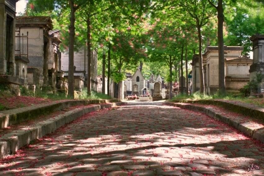 Aşk Şehri Paris'te Sevgilinizle Yapabileceğiniz Şeyler Cemetery
