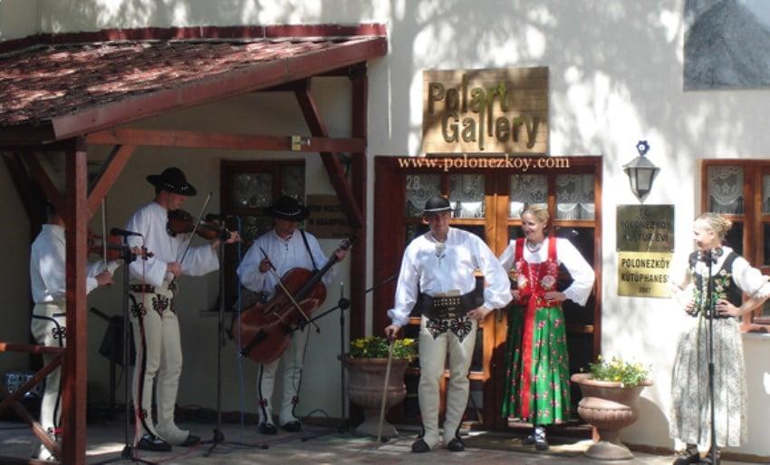 Polonezköy Rehberi Polonezköy Kültür Evi