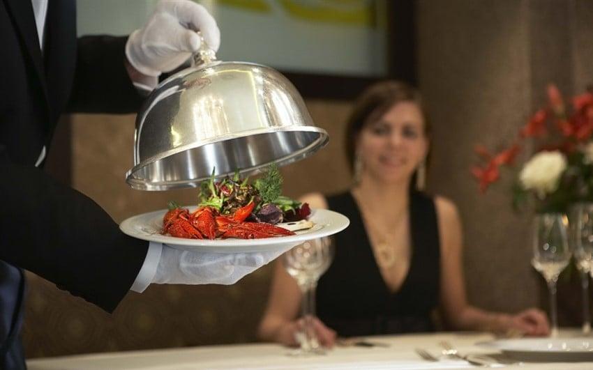 Neden otel restoranlarını tercih etmelisiniz? Mükemmel Çalışanlar