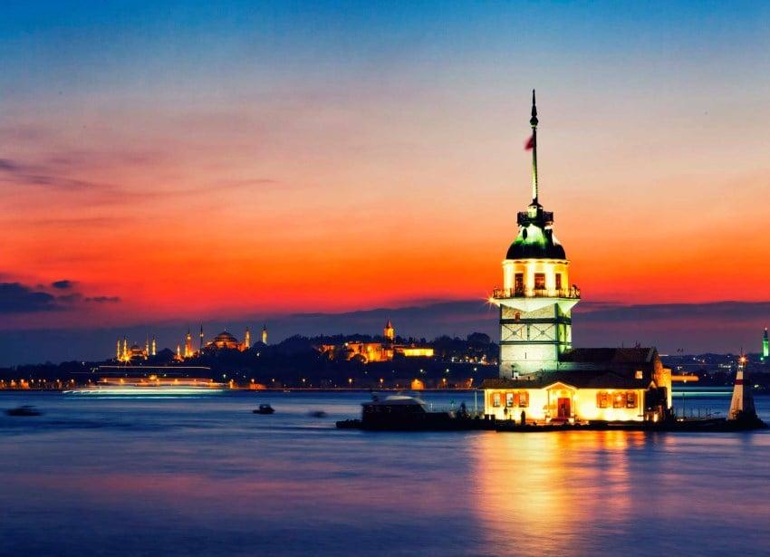 İstanbul'da En Romantik Mekanlar Kız Kulesi Restaurant