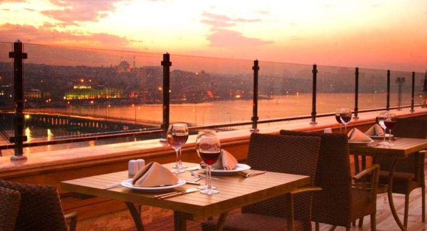 İstanbul'da En Romantik Mekanlar Peninsula Teras Restaurant