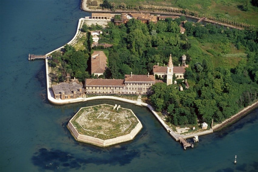 İtalya Hakkında Bilmeniz Gereken 22 Şey Poveglia Adası