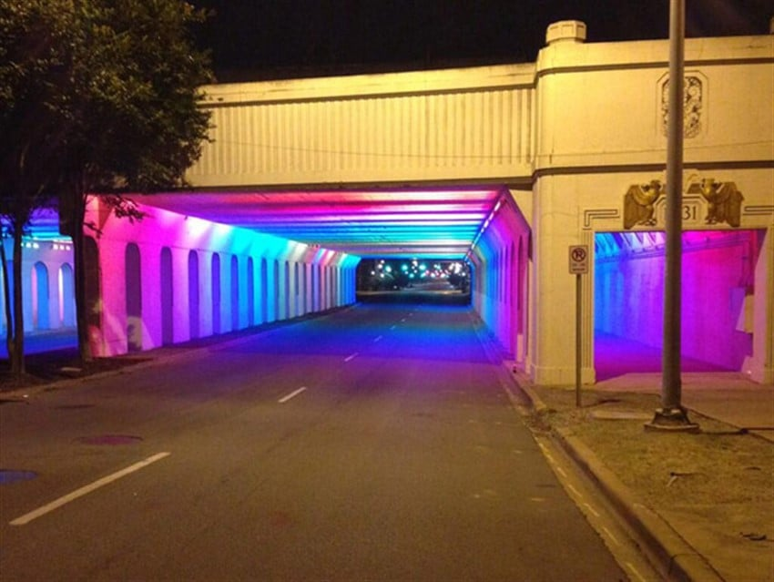Alt Geçitlere Renk Katan Yüzlerce LED (2)