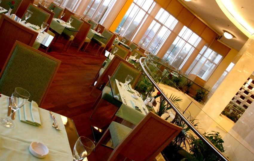 restaurant1 (850 x 538)