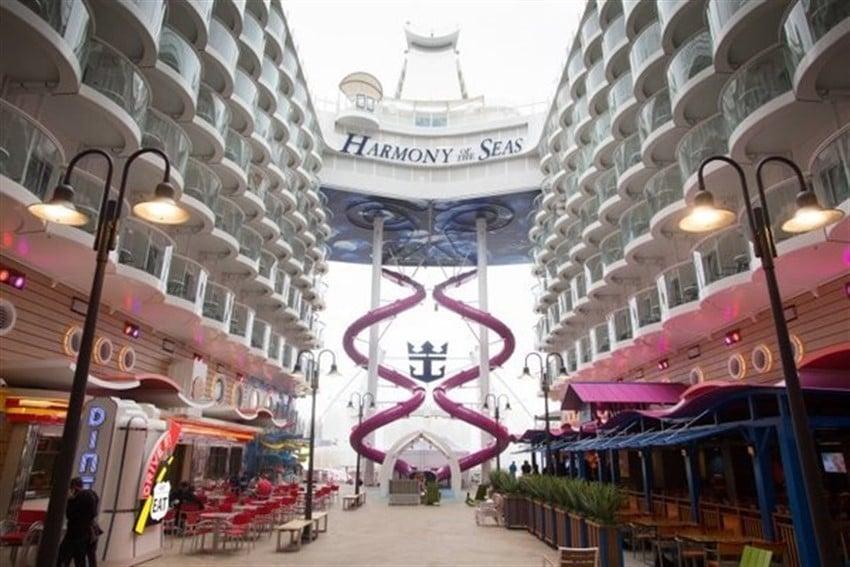 Dünyanın En Büyük Cruise Gemisi Harmony of the Seas (1)