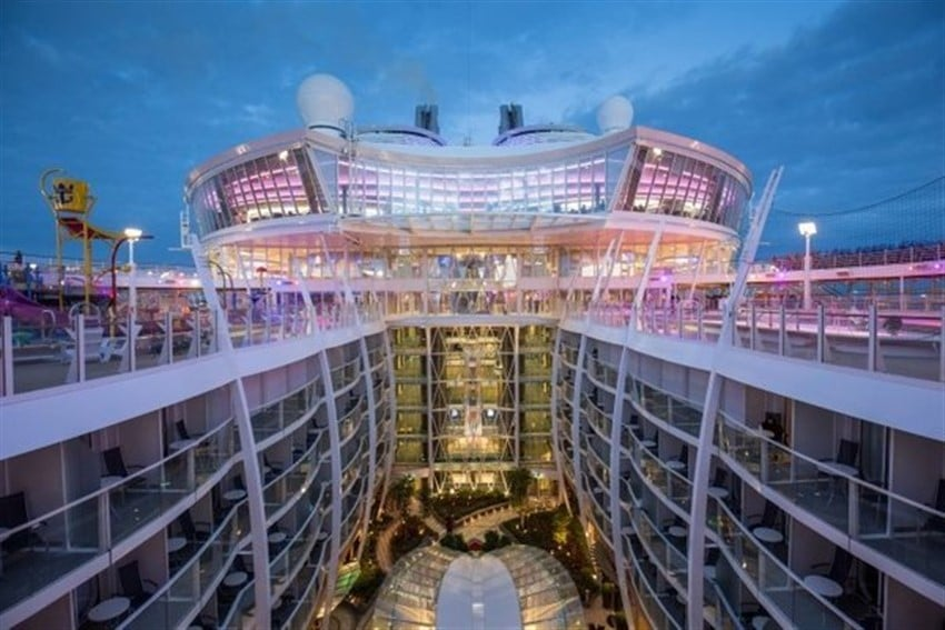 Dünyanın En Büyük Cruise Gemisi Harmony of the Seas (4)