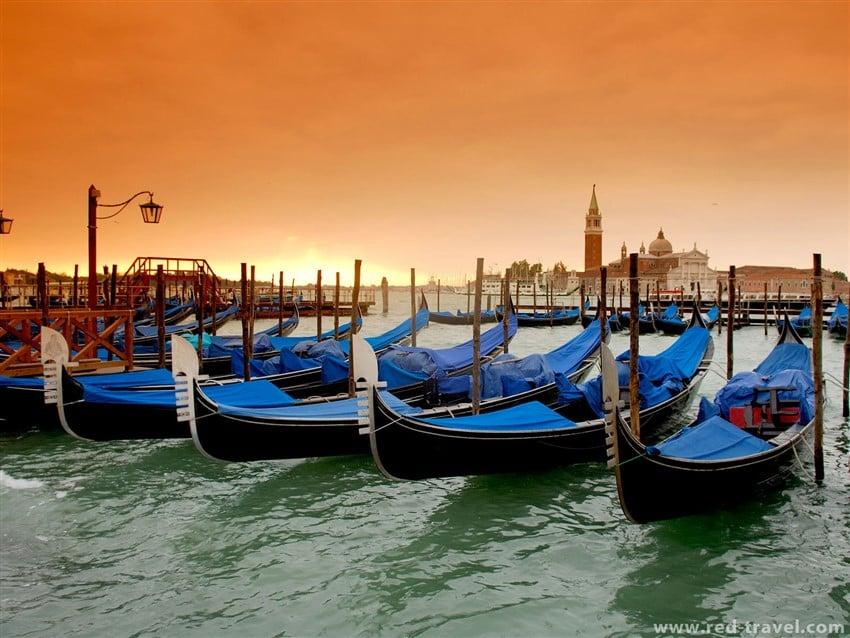 İtalya'da Daha Az Para Harcamanız İçin Tüyolar venice gondols