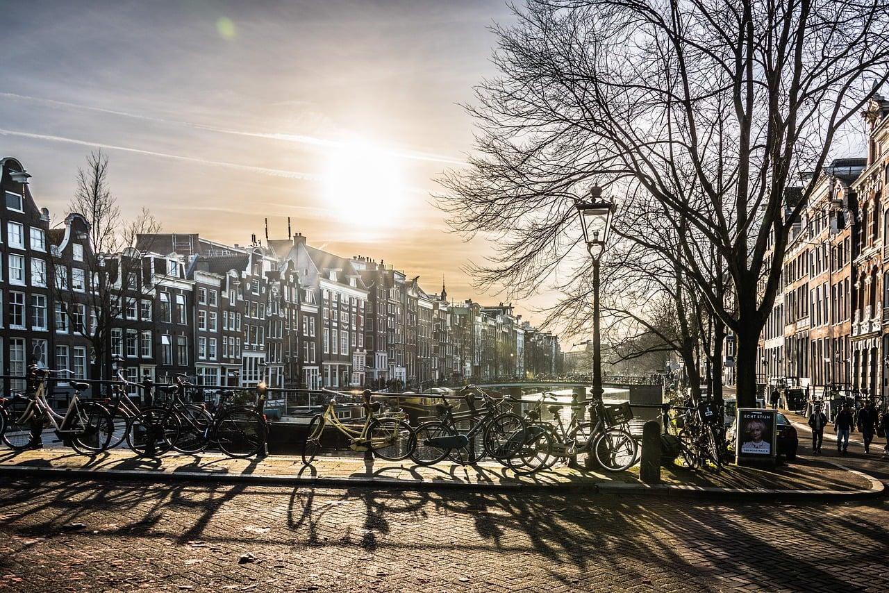 Amsterdam neden dünyanın bisiklet başkentidir?