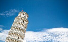 Pisa Kulesi neden eğri?