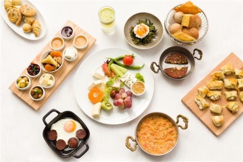 İstanbul'da Açık Büfe Kahvaltı Lacivert Restaurant Kahvaltı
