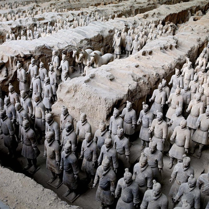 Çin Piramitleri, Çin